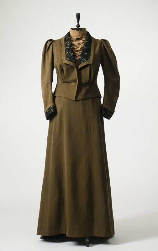 0262 Two piece suit from the early XX century