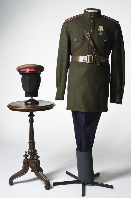Officer costume (1943-1955)