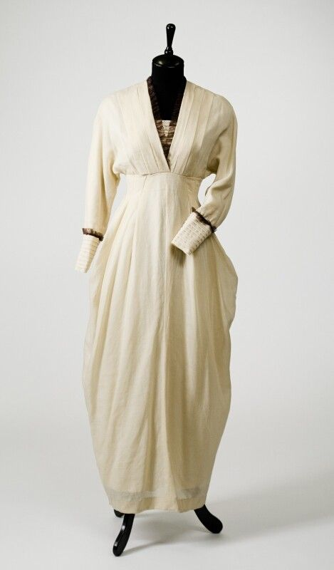 0277 Dress from 1910, Russia