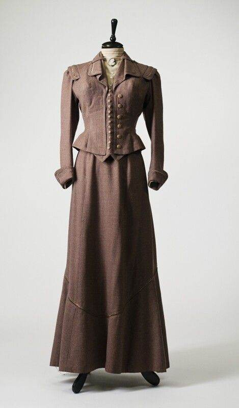2892   Two piece suit from the early XX century