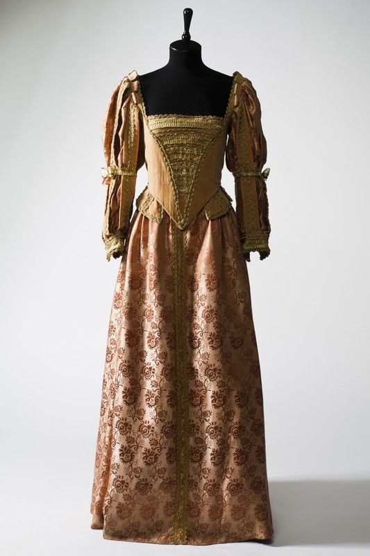 2895 Dress from XV century, Europe